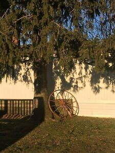 Antique Vintage Country Wagon Wheel Wood 44