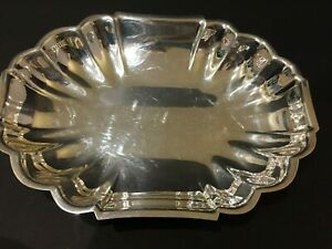 Newport Silver Plate 10 1 4 Inch Covered Dish
