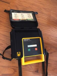 Medtronic Physio Control Biphasic Lifepak 500 Defibrillator No Battery