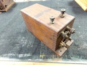 Hitt And Miss buzz Coil Hot Spark Wood Box In Good Condition