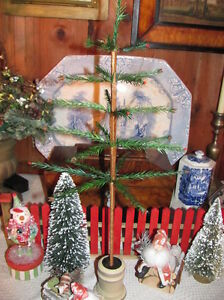 New Primitive 21 1 2 Real Feather Christmas Tree Wood Urn Base Acorns