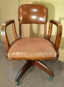 Vintage Wood Gunlocke Swivel Bankers Lawyer Leather Chair With Wheels