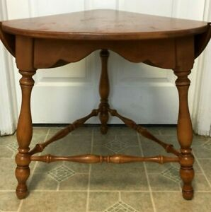 Vintage Ethan Allen Maple Drop Leaf Triangular End Side Table 10 8547 Nice