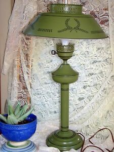 Vintage Hand Painted Green Metal French Tole Table Lamp Brass Nice