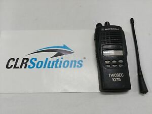 Motorola Ht1250 Aah25sdf9aa5an 450 512mhz 128 Channel Uhf Two way Portable Radio