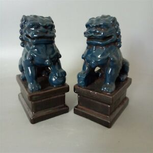 Chinese Old Pair Blue Glazed Porcelain Foo Dogs Statues Action Figure Collection