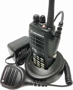 Motorola Ht1250 Two Way Radio Uhf 403 470 Mhz Full Keypad Gmrs Aah25rdh9aa6an