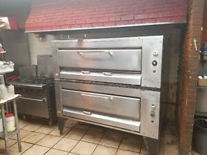 Montague 24p 2 Double Stack Hearth Bake Gas Pizza Oven 1480 1481