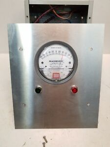Dwyer Magnehelic Differential Pressure Gage W setra 264 Pressure Transducer