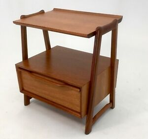 Mahogany Nightstand Or End Table By Hickory Manufacturing With Drawer Vintage