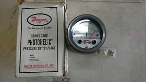 Dwyer Photohelic Pressure Switch Gage Gauge 3000 A3000 Series Cat A3320