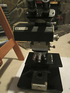 Microscope Vickers England Photoplan 4 Objectives Light Source Needs Cleaning