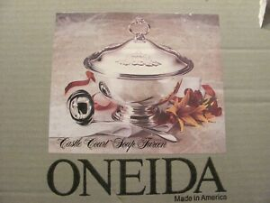 Oneida Castle Court Silver Soup Tureen Punch Bowl W Lid Pyrex Lining Nib Usa