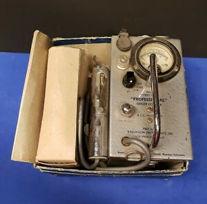 Vintage Professional Geiger Counter Model 107b A e c sgm 49c