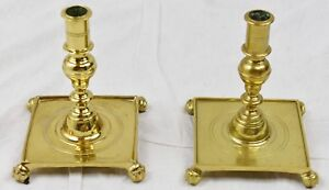 Pair Of Candlesticks Virginia Metalcrafters Williamsburg Brass Cw16 5