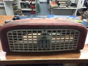 International Farmall Ih 460 560 Used Upper Front Grill Nose Assembly W emblem