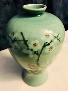 Korean Pale Green Crackle Meiping Celadon Vase Signed
