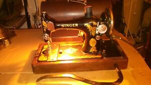 Vintage Portable Cast Iron Singer 128 Sewing Machine Case Serial Aa483509