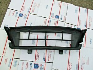 2012 2014 Ford Focus St Front Bumper Radiator Air Duct Bumper Guide Bracket Oem