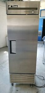 True T 23f hc 27 Single Section Reach in Stainless Freezer 1 Door Solid 115v