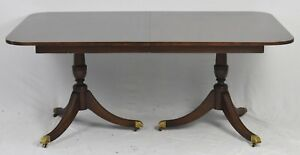 Kindel Windermere Banded Mahogany Dining Room Table Williamsburg Style 4 Leaves