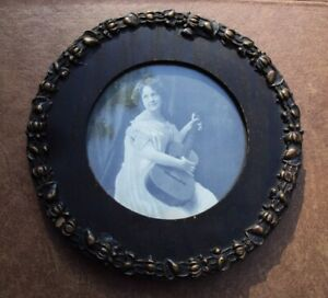 Antique Primitive Round Wood Frame With Old Picture