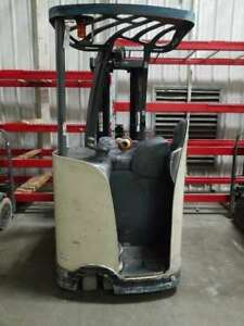 Crown Rc5530 30 Electric Counterbalanced Forklift