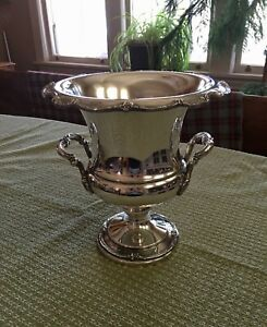 Authentic 1847 Rogers Bros Reflection 9250 Silver Champange Holder