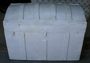 Antiqu 1800s Trunk Suitcase Dome Top Painted White Paper Line Vintag Shabby Chic