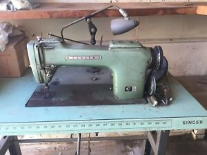 Consew Model 220 With Table Used