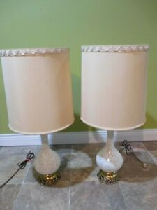 Vintage Satin White Glass Gilt Gold Floral 32 Table Lamps W Shades Estate