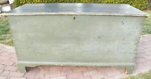 Very Large Antique Original Paint Dovetailed Wide 6 Bd Pine Blanket Bracket Feet
