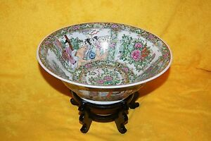 Chinese Rose Medallion Bowl With Makers Mark 13