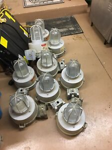 Crouse hinds Explosion Proof Light Fixtures M10
