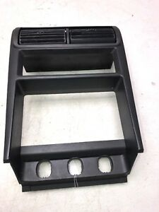 2000 04 Ford Mustang Dash Radio Stereo Climate Control Bezel Trim R2196