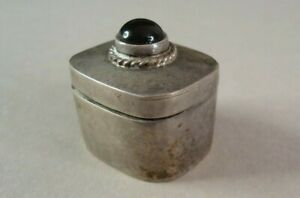 Little Sterling Silver Hinged Pill Box W Onyx Cabochon 20 3g