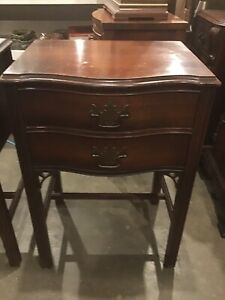 Pair 2 Drawer Mahogany Vintage Nightstands End Tables
