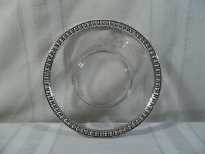 Vintage W M Rogers Mfg Co Sterling Silver And Glass Wine Bottle Coaster 159a