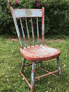 Beautiful Antique Chic Wooden Chair Cottage Decor Display Furniture Farm House