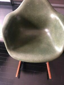 Eames Rar Rocker Chair In Fiberglass