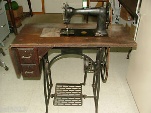 Original 1889 Antique Wheeler Wilson Treadle Sewing Machine D9