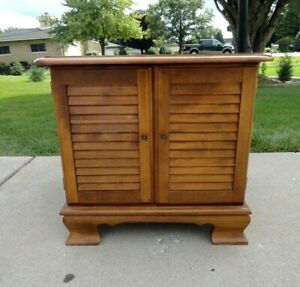 Vintage Ethan Allen Solid Maple Heirloom Commode Shutter Door 10 8646