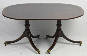 Kittinger Banded Mahogany Duncan Phyfe Dining Table In The Williamsburg Style