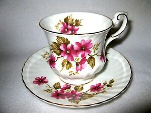 Rosina Fine Bone China England Teacup And Saucer Pink Flowers