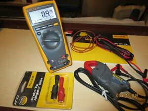 Fluke 179 True Rms Multimeter Ac Current Clamp Back Light And Temperature