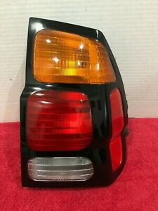 2000 2001 2002 2003 2004 Mitsubishi Montero Sport Passenger Side Tail Light