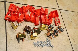 Lot Of 10 40 Amps 12v Automotive Circuit Breakers And Covers