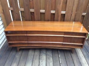 Mid Century Danish Modern Low Concave Front Walnut Credenza Young Mfg