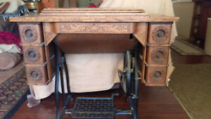 Working 1892 Antique Wheeler Wilson Became Singer Sewing Machine In Cabinet