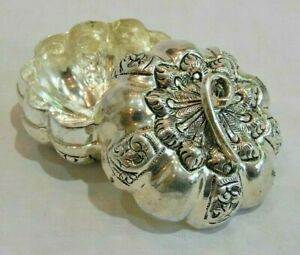 Vintage Sterling Silver Pumpkin Or Gourd Trinket Box Or Pill Box
